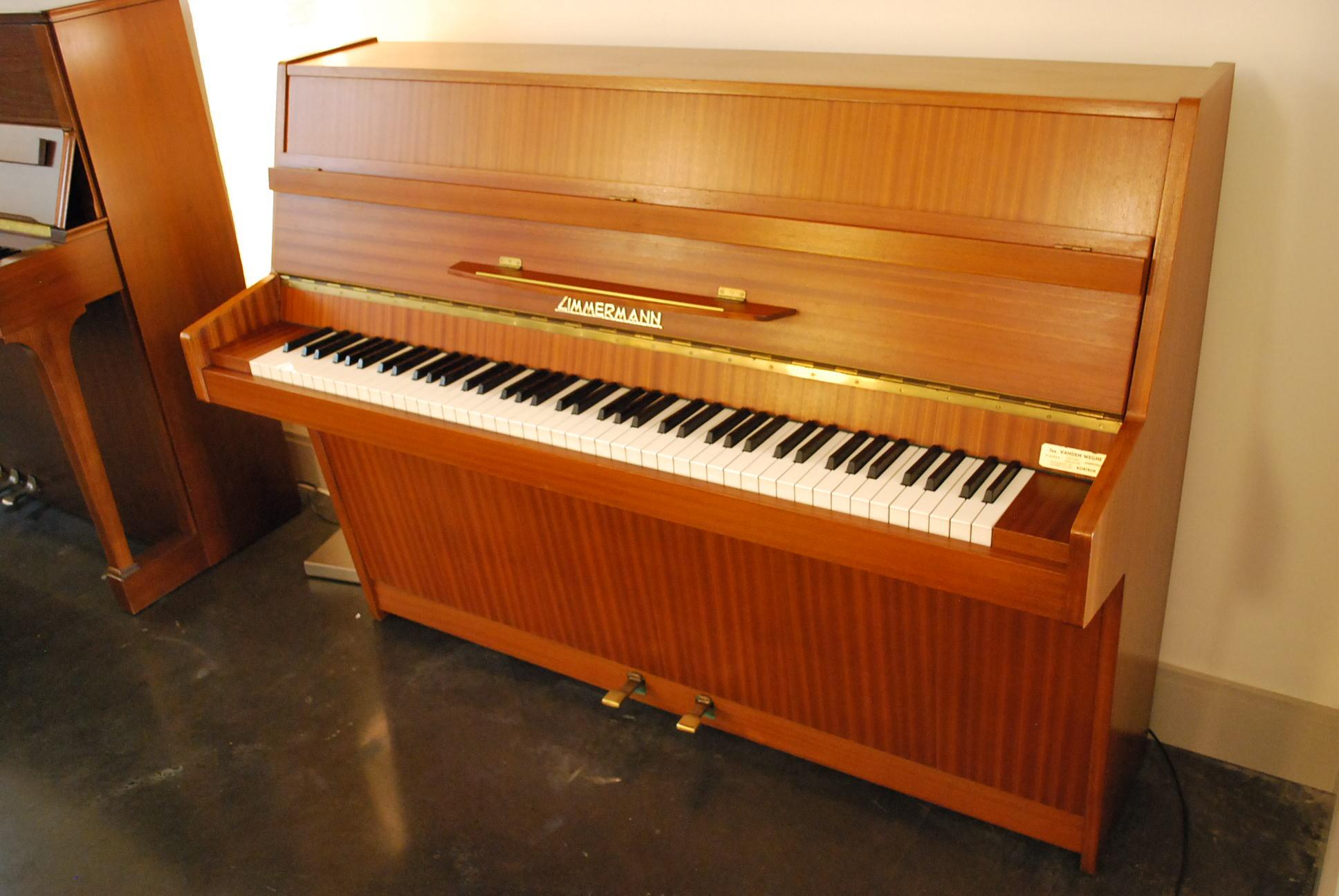 Pianos Image